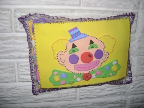 Imagen cojin decorado con foami - grupos.